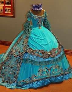 period Ball Gowns designed by Linda Leyendecker Gutierrez and Niti Volpe for the Society of Martha Washington Colonial Pageant and Ball in Laredo, Texas.- Found on Brit Gal in the USA: A visual feast of stunning beauty!