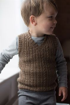 Knitting For Kids, Baby Knitting, Crochet Baby, Knit Crochet, Baby Vest, Knit Vest, Infant Activities, Baby Sweaters, Knitting Patterns