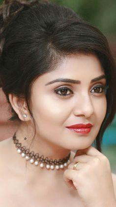 Beautiful Girl Image, Most Beautiful, South Indian Actress Hot, Indian Beauty Saree, Cute Faces, Beautiful Saree, Body Image, India Beauty, Girls Image