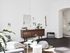 A striking dark and white Swedish space. Stadshem. Styling Emma Hos.
