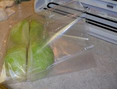 Freezing cabbage - Pack cabbages in family sized portions. Canning Tips, Canning Recipes, Freezer Cooking, Freezer Meals, Fruit And Veg, Fruits And Veggies, Freezing Cabbage, Freezing Vegetables, Soup Beans