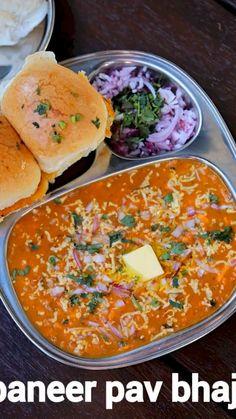 Mumbai Street Food, Indian Street Food, Indian Dessert Recipes, Indian Snacks, Pav Recipe, Pav Bhaji Recipe Video, Chaat Recipe, Pao Bhaji Recipe, Vegetarian