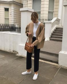 Lizzy hadfield on wool jacket and trousers and some dirty trainers that mum doesnt approve of chic spring outfit Street Style Outfits, Winter Outfits, Casual Outfits, Cute Outfits, Fashion Outfits, Dress Winter, Dress Outfits, Casual Jeans, Simple Outfits