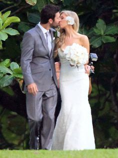 Brandon & Leah Jenner on their wedding day! Totes adorbs! If you haven't listened to their music yet I suggest you go to spotify, search brandon and leah and give it a listen!