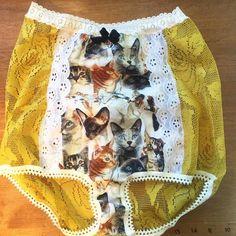 calcinha hot pant com estampa de gato Shia Labeouf, Bob Ross, Granny Panties, Culottes, Hot Pants, Crochet Lace, Boho Shorts, Sexy Women, Etsy Shop