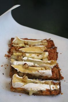Hojaldre con higos y queso brie
