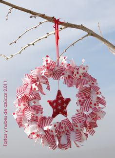 Gotta figure out how to do this with my leftover fabric. Christmas Mood, Christmas Fabric, Simple Christmas, Christmas Wreaths, Christmas Crafts, Christmas Decorations, Xmas, Christmas Ornaments, Holiday Decorating