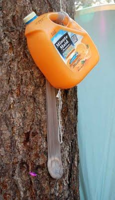 Simple and smart way to set up a hand washing station while camping