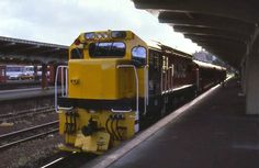New Zealand Railways Suburban Train Auckland Station 1980. http://farm3.staticflickr.com/2390/5727499639_36d9cc1a37_o.jpg