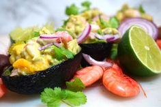 Avokado med krämig röra på räkor, mango och lime Banana Split, Mango, Starters, Cantaloupe, Tapas, Sushi, Salmon, Good Food, Lime