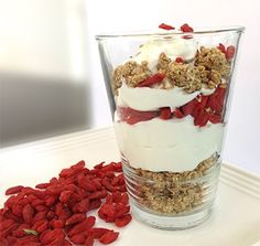 Granola Parfait with Oat bran Granola & Goji berries... Great for breakfast and snacks! ... Cruise Phase – Serves 1... Ingredients: ... 1 cup fat-free plain Greek Yogurt... 2 tablespoons Dukan Granola... 1 tablespoon Goji berries... Optional: Organic Stevia, to taste... Preparation:... Layer a glass with granola, yogurt and Goji berries. If using stevia, mix the yogurt and stevia prior to layering. Serve immediately.