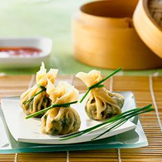 A smart vegetarian recipe from the Chinese appetizer roast: the dim sum made with tofu, spinach and mung beans