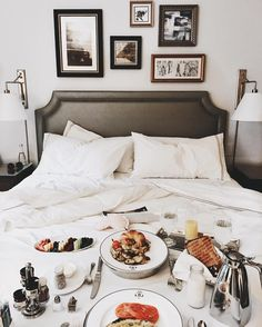 Breakfast in bed happy project home bedroom, bedroom decor и Dream Rooms, Dream Bedroom, Home Bedroom, Bedroom Decor, Bedrooms, Bedroom Ideas, Eating Before Bed, Ikea, Shabby