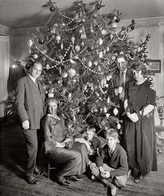 Love this vintage Christmas tree.  Did they cut off the top?