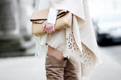 poncho outfit, beige Poncho, overknees, neutral colours, streetstyle, cape outfit, overknees outfit, bezauberndenana.de