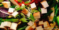 Rainbow Stir Fry - Click here to visit 40 Year Old Vegan's Blog Vegan Blogs, Vegan Recipes, 40 Years Old, Egg Free, Stir Fry, Tofu, Feta, Fries, Cheese