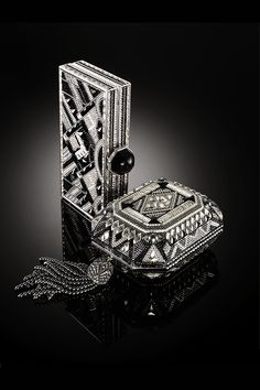 Fashion as an art form - experience art deco decadence from Judith Leiber.