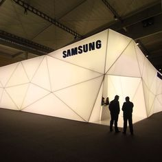 Samsung popup at MWC 2013, illuminated store. Freaking cool. Love the webbed…
