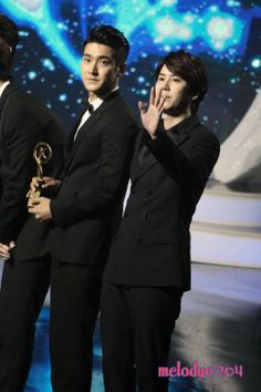 Kugou Music Awards with Siwon and Kyuhyun – from 140522