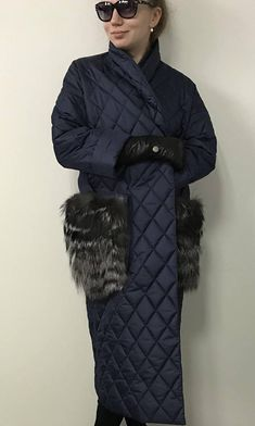 Stylish quilted coat Finish of natural fox fur Tesettür Tunik Modelleri 2020