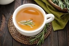 Rosemary is one of the most aromatic and pungent herbs around, here are 20 creative ways to use this wonderful versatile herb and not just in delicious tasting recipes. Rosemary Tea, Rosemary Plant, How To Dry Rosemary, Digestion Difficile, Pine Cone Christmas Decorations, Medicinal Weeds, Party Food Buffet, Tea Places, Gastro