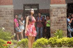 Half Girlfriend Song Baarish: Arjun Kapoor And Shraddha Kapoor Welcome Season Of Romance Half Girlfriend Movie, Bollywood Songs, Bollywood Actress, Bollywood Style, Shraddha Kapoor Half Girlfriend, Ek Villain, Delhi Girls, Arjun Kapoor