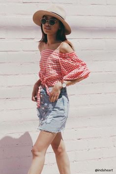 Forever 21 Off-the-Shoulder Red Gingham Top ShopStyle Casual Summer Outfits For Women, Summer Work Outfits, Summer Wear, Casual Chic Outfits, Cute Outfits, Fashion Outfits, Womens Fashion, Style Fashion, Forever 21