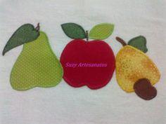 Pano de prato em tecido de sacaria 100% algodão, com aplicação de frutas, contorno e barrado em crochê. Cor e aplicação o cliente que escolhe. R$ 19,80