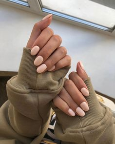 Want to know how to do gel nails at home? Learn the fundamentals with our DIY tutorial that will guide you step by step to professional salon quality nails. Aycrlic Nails, Nail Manicure, Cute Nails, Hair And Nails, Nail Polish, Glitter Nails, Manicures, Gorgeous Nails, Perfect Nails