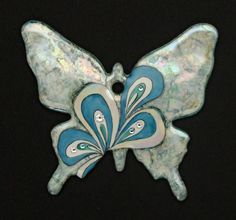 Handpainted by Béatrice Mazerolle 🇫🇷 on 0104 - Papillon Chikae by Bijoux de Passy Cool Paintings, Diy Clay, Beautiful Butterflies, Puzzles, Diy Jewelry, Polymer Clay, Moose Art, Creations, Butterfly