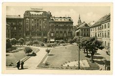 V roku 1940 sa Eskontná a hospodárska banka sfúzovala s Tatra bankou, ktorá si na Hlavnom námestí otvorila svoju pobočku. Tatra banka po spojení so Slovenskou bankou zanikla zoštátnením v roku 1950. Bratislava, Old Photos, Banks, Nostalgia, Arch, Louvre, Street View, Europe, Building
