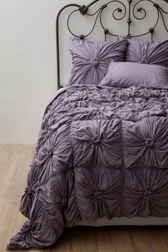 I love the textured quilt too, but having cats, I just know what would happen.
