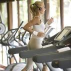 7 heimliche Gedanken, die jede Frau im Fitnessstudio hat