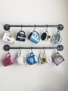 DIY Industrial Pipe Mug Wall Holder Hanger For The Kitchen – diy kitchen decor on a budget Coffee Mug Wall Rack, Coffee Mug Storage, Coffee Mug Display, Coffee Mug Holder, Coffe Bar, Pic Monkey, Vintage Farmhouse, Candy Corn, Diy Kitchen Decor