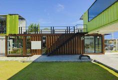 Já pensou em ter uma casa contêiner? Listamos tudo o que você precisa saber antes de encarar esta empreitada. Passa lá no nosso site. Link na bio. @gphaus #casaconteiner #conteiner #sustentabilidade #sustentability #projeto #arquitetura #architecture #contemporary #contemporaneo #economia #gphaus #revistahaus by gphaus http://ift.tt/1OWq5r5