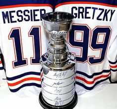 Two of the greats Mark Messier, Sports Trophies, Light Em Up, Wayne Gretzky, Nhl Jerseys, Edmonton Oilers, National Hockey League, New York Rangers