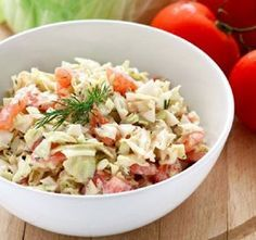 Cabbage tomato salad with yogurt dill dressing - quick and easy (in Polish with translator) Tomato Salad, Pasta Salad, Dill Dressing, Eat Pray Love, Cabbage Salad, Healthy Salad Recipes, Kefir, Risotto, Vegetarian