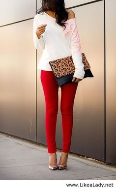 red skinny jeans & leopard clutch