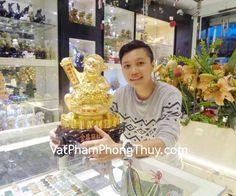 Cảm ơn Bạn Nhã đã mua Khỉ kim hầu chiêu tài tại cửa hàng Vật Phẩm Phong Thủy Kỳ Hòa (362 Đường 3 tháng 2, P.12, Q.10 – Tel: 08 6689 8383)  + Chất liệu và hoàn thiện : Tượng khỉ bột đá vàng (tại Việt Nam). + Kích thước (dài x rộng x cao) : 40cm x 30cm x 21cm + Khối lượng : 3,2kg + Ý nghĩa :...