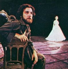 Mandy Patinkin as Che in original broadway cast of Evita opposite the incomperable Patti LuPone Evita Musical, Musical Theatre, Drama Education, Patti Lupone, Originals Cast, Star Show, West Side Story, Theatre Quotes, Hooray For Hollywood