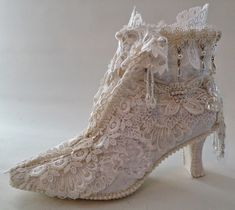 annes papercreations: Shabby chic lace shoes makeover