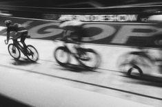 Seit Jahren steht das schon auf der to do-Liste, jetzt haben wir es endlich mal geschafft. Nicht für die Party, sondern für den Sport!  #fixedgear #fixie #bremen #sixdaysbremen #sixdaysbremen2018 #shotoniphone #vsco #vscocam #rnifilms #fahrrad #fotografieren #hobbyfotograf #hobbyfotografie #sportfotografie #trackbike