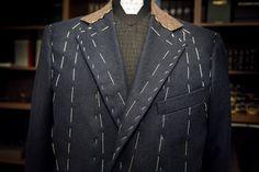 """Procesul de manufacturare al unui produs #bespoke este realizat în atelier. Aici, """"mâna"""" celor care lucrează și măiestria lor au impact și dau valoare hainei.  #bespoketailoring #handmade #style #notfashion #menswear #menwithclass #gentlemen #mnswr #suit #design #bespoke #sartorial #ZAVATE Bespoke, Suit Jacket, Costume, Suits, Jackets, Design, Fashion, Atelier, Taylormade"""