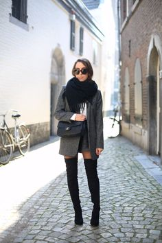 POLAR PLATEAU   Fiona from thedashingrider.com wears Asos Overknee Boots, Zara Blazer, a bag from Chanel and sunglasses from Céline #ootd #whatiwore