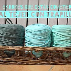 5 cosas básicas que debes saber al tejer con trapillo Crochet Owls, Crochet Food, Love Crochet, Diy Crochet, Crochet Animals, Crochet Symbols, Crochet Patterns, Crochet Granny Square Afghan, Granny Squares