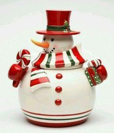 Christmas Jar Gifts, Cute Christmas Cookies, Christmas Dishes, Xmas Cookies, Christmas Decorations, Christmas China, Christmas Time, Apothecary Decor, Antique Cookie Jars