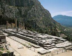 Temple of Apollo, Greece - DEA / G. DAGLI ORTI/Getty Images