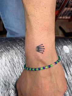 @westend_tattoo @westendtattoobp #westendtattooandpiercing #budapestwestendtattoo #small tattoo #crowntattoo #rolex #tetoválás #kis tetoválás #rolexcrowntattoo #korona tetoválás #csukló tetoválás