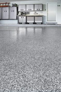 Epoxy Garage Floor Coating Look & Last Like Granite - You will like this flooring ideas Garage Epoxy, Garage Paint, Garage Doors, Paint Garage Floors, Epoxy Garage Floor Paint, Epoxy Garage Floor Coating, Garage Cabinets, Smooth Concrete, Concrete Floors
