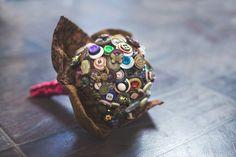 Napeista tehty hääkimppu Cuff Bracelets, Leather, Jewelry, Fashion, Jewellery Making, Moda, Jewerly, Jewelery, Fashion Styles